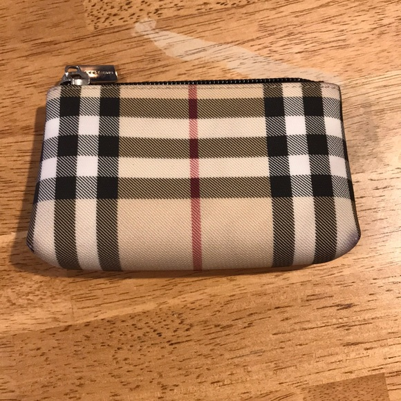 d1165a4638f8 Burberry Handbags - Burberry Coin Purse